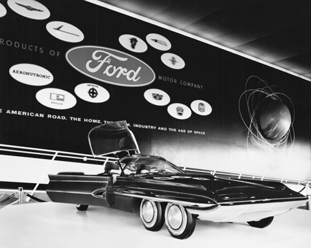 From the heyday of car culture: the Ford Seattle-ite XXI, introduced at the 1962 World's Fair (Photo: University of Washington Libraries Special Collections)