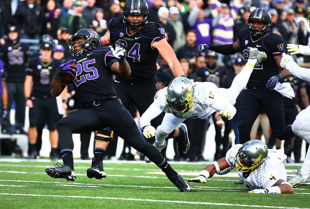 UW's Bishop Sankey (25) leads the nation in rushing. (John Lok/The Seattle Times)