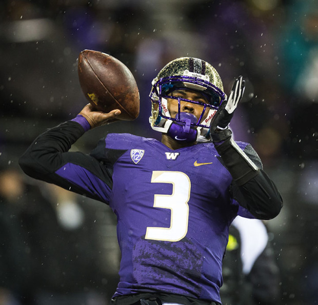 102514 - SEATTLE, WA - Troy Williams made his first -- and only -- start at quarterback for Washington this season against Arizona State.. (Dean Rutz/The Seattle Times)
