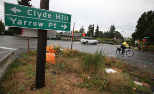 Some Yarrow Point residents do not support a proposed WSDOT roundabout at this location. [Ken Lambert, The Seattle Times.]