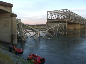 I-5 bridge collapse over Skagit River (Photo:Rick Lund/The Seattle Times)