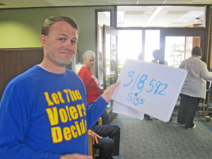 Tim Eyman drops off signatures in 2012 for his successful two-thirds-for-taxes measure, I-1185.