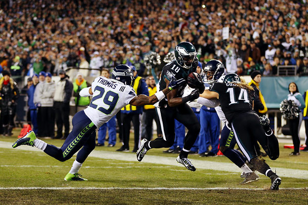 Eagles wide receiver Jeremy Maclin makes a touchdown during the first half on a pass from Eagles quarterback Mark Sanchez for the first score of the game. (Photo by Bettina Hansen / The Seattle Times)