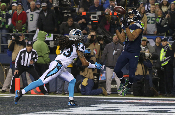 Seahawks wide receiver Doug Baldwin catches a 16-yard touchdown pass from Seahawks quarterback Russell Wilson to put the Seahawks on the board during the first quarter. (Photo by Bettina Hansen / The Seattle Times)