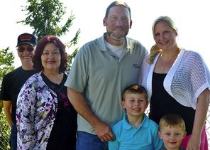 A family photo shows, from left, Lewis Vandenburg; his wife, JuDee Vandenburg; their son, Shane Ruthven; his wife, Katie Ruthven; and their children, Hunter Ruthven, 6; and Wyatt Ruthven, 4. (Courtesy of Tom Pszonka)